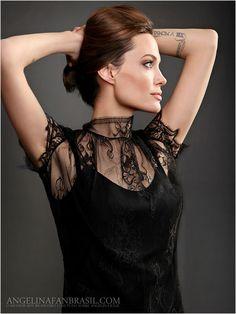 Fotógrafo Desconhecido - desconhecido2012-003 - Angelina Jolie Brasil // Gallery