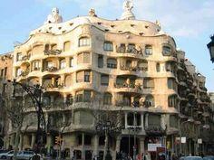 Zdjęcie numer 26 w galerii - Architektura w Barcelonie TOP 10 - przewodnik po budynkach Gaudi, Art Nouveau, Vicky Cristina Barcelona, La Pedrera, Detailed Image, Multi Story Building, Louvre, Travel, Theory