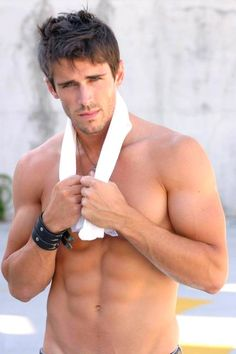 "victordicks: Brandon Beemer - Actor ""Bold & the Beautiful"" Bold And The Beautiful, Gorgeous Men, Beautiful Body, Beautiful Things, Look At You, How To Look Better, Brandon Beemer, Portraits, Hot Hunks"