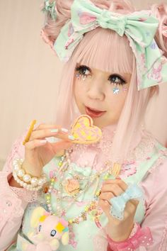 (4) fairy kei / Decora japanese fashion... studying different cultures fashion whould be great:) | Fashion Fairy Kei | Pinterest