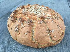 Sonnenblumenbrot Zutaten: 500 g Dinkelmehl 250 g Weizenbrotmehl 250 g Buchweizen. Bread Baking, Bakery, Hakuna Matata, Food, Image, Breads, Gluten Free Breads, Biscuits, Cooking
