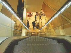 Neu: Bi-Funktionsampel und LED-Streifen für Rolltreppen und Laufbänder