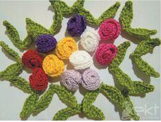 Ahhh essas flores são tão fofas e lindas!!! E são um sucesso!! Essas flores e outras que estão logo abaixo, são encomendas da amiga Luiza...