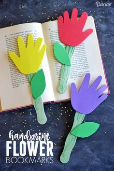 Preschool Crafts for Kids Handprint Flower Bookmarks - Kid Craft for spring or summer kids' crafts Kids Crafts, Daycare Crafts, Sunday School Crafts, Crafts To Do, Craft Projects, Craft Ideas, Spring Crafts For Kids, Kids Diy, Toddler Church Crafts