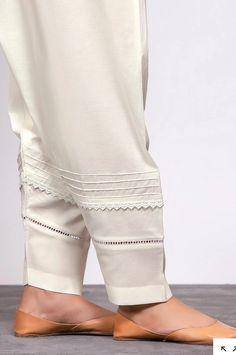 Sleeves Designs For Dresses, Neck Designs For Suits, Dress Neck Designs, Neckline Designs, Pakistani Fashion Casual, Pakistani Dresses Casual, Pakistani Dress Design, Casual Dresses, Kurta Designs Women