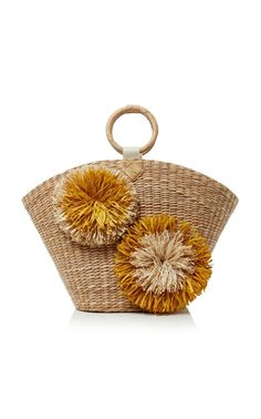 This **Aranáz** Rosario Tote is rendered in seagrass and features braided leather handle and raffia flower details. Embroidery Bags, Beaded Embroidery, Bag Crochet, Art Bag, Basket Bag, Leather Handle, Straw Bag, Wicker, Purses And Bags