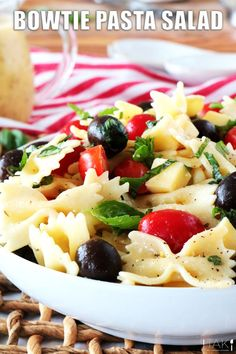 Italian Bowtie Pasta Salad with creamy Italian dressing and Parmesan is perfect for lunches, parties and BBQ side dishes! A light and healthy recipe!! Potluck Dishes, Potluck Recipes, Side Dish Recipes, Healthy Recipes, Barbecue Side Dishes, Thing 1, Italian Dressing, Pasta Salad Recipes