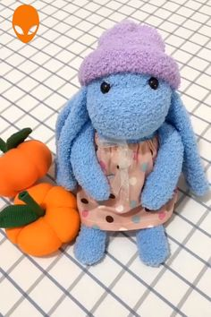 Diy Sock Toys, Sock Crafts, Diy Crafts For Gifts, Crochet Animal Patterns, Stuffed Animal Patterns, Sewing Toys, Sewing Crafts, Diy Teddy Bear, Doll Videos