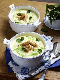 Unser beliebtes Rezept für Kohlrabi-Suppe und mehr als 55.000 weitere kostenlose Rezepte auf LECKER.de.