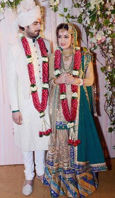 In pics: Dia Mirza ties the knot with Sahil Sangha Bollywood Wedding, Bollywood Saree, Bollywood Fashion, Bollywood Actress, Celebrity Wedding Photos, Celebrity Weddings, Celebrity Style, Bridal Mehndi Dresses, Bridal Lehenga