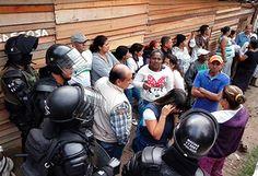 Colombia. 1500 personas son desalojadas violentamente en Villa Café Colombia, People