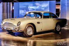 Aston Martin DB5 in London