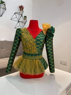 Indian Skirt, Indian Dresses, Myanmar Dress Design, Stylish Outfits, Fashion Outfits, Thai Fashion, Sunday Dress, Infinity Dress, Blouse Outfit