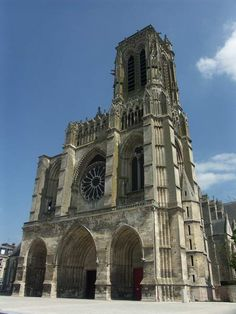 Cathédrale de Soissons Fort Mahon Plage, French Cathedrals, Saint Valery, Beauvais, Château Fort, Monuments, Old Churches, Chapelle, Gothic Architecture