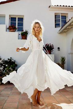 Bohemian Mode, Boho Chic, Bohemian Fashion, Bohemian Style, Beach Fashion, Boho Look, Hippie Style, White Maxi Dresses, Casual Dresses