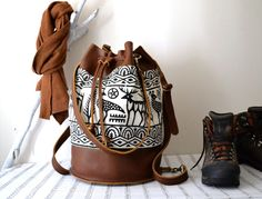 Leather Bucket Backpack,  ,Leather Messenger Bucket Bag, Convertible Leather Messenger Tote Bag, Leather Weekender Bag, Weekender Backpack