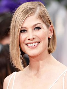 And the Red Carpet Beauty Awards Go to... | BEST BOB | We can't stop swooning over how sleek and effortless nominee Rosamund Pike's chin-length tresses looked. The simplicity of her style and lack of bold makeup or jewels kept her overall vibe modern and super-chic.