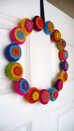 Colorful felt wreath - - Colorful felt wreath Bisuteria y manualidades Colorful felt wreath Felt Embroidery, Felt Applique, Felt Christmas, Christmas Crafts, Etsy Christmas, Fabric Crafts, Diy Crafts, Felt Gifts, Felted Wool Crafts