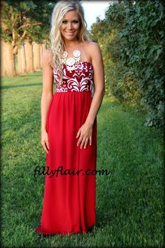 (http://www.fillyflair.com/all-day-love-in-burgundy/)