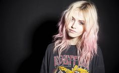 My eventual hair. Cotton Candy pink ends. charlotte free