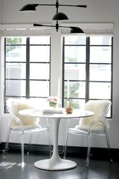 12 Bistro Table Breakfast Nooks Where We'd Love to Have Our Morning Coffee — Inspiring Kitchens Lucite Furniture, Acrylic Furniture, Acrylic Chair, Tulip Dining Table, Diy Kit, Kitchen Nook, Kitchen Ideas, Kitchen Chairs, Small Dining