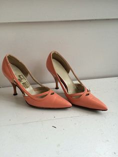 Vintage 60s Shoes Heels Pointy Toe 6 B Lady Gentry by soulrust