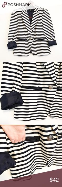 Nautical Navy Striped Blazer Cotton Patriotic Perfect for the 4th of July! Lightly worn. Pockets function but are still sewn shut. 💙❤️ Valerie Bertinelli Jackets & Coats Blazers