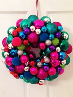 LiveLoveDIY: Christmas Ornament Wreaths - Reader Versions