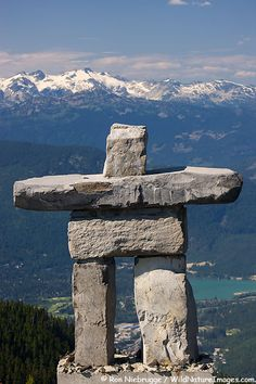 Inukshuk ~ Symbol of 2010 Winter Olympics Games, Whistler, British Columbia, Canada Monuments, Rock Sculpture, Stone Sculptures, Art Et Nature, Northwest Territories, Inuit Art, Canada Eh, Whistler, Land Art