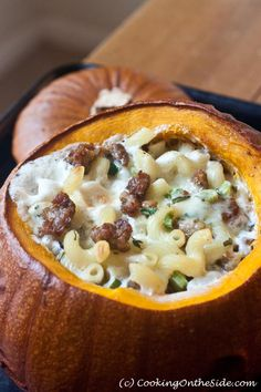 Mac & Cheese in a Pumpkin.from Melt: The Art of Macaroni and Cheese (Baking Dinner Mac Cheese) Good Macaroni And Cheese Recipe, Pumpkin Mac And Cheese, Mac Cheese Recipes, Cooking Pumpkin, Pumpkin Recipes, Fall Recipes, Holiday Recipes, Pasta, Halloween Food For Party
