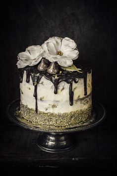 White And Gold Cake. Because Mum is Gold!