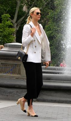 Just Karlie Kloss: Photo Work Fashion, Spring Fashion, Celebrity Style Inspiration, Celeb Style, Dramatic Classic, Karlie Kloss, French Chic, Tall Women, Office Outfits