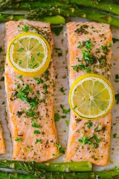 One-Pan Salmon Asparagus recipe with a lemon-garlic-herb butter. Every bite is so juicy and flavorful! A reader favorite, salmon dinner. Baked Salmon Lemon, Baked Asparagus, Salmon And Asparagus, Baked Salmon Recipes, Asparagus Recipe, Asparagus Casserole, Asparagus Quiche, Seafood Dishes, Seafood Recipes