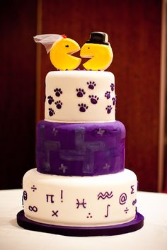 Fun nerd wedding cake with Pac-man & Mrs. Pac-man.,  Go To www.likegossip.com to get more Gossip News!