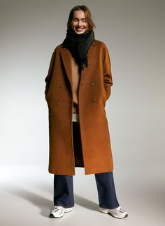 SLOUCH COAT - Oversized double-breasted wool coat Purple Outfits, Long Wool Coat, Thick Sweaters, Oversized Coat, Camel Coat, Double Breasted Coat, Fashion Books, Coats For Women, Pretty Clothes