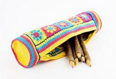 Handwork - Retro pencil case - cosmetic bag - granny squares