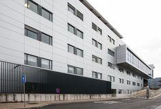El estudio CASA SOLO Arquitectos, han sido los encargado de realizar este complejo proyecto, que ha contado, especialmente en la 3ª planta (nuevo...
