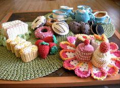Tasty Crocheted Snacks. Happy Tea Time!