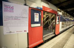 Unexpected: The exterior of the suburbantrain (RER C) gives few clues to the incredible displays found inside