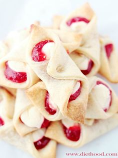 Strawberry Cream Cheese Pastries. #desserts #pastries