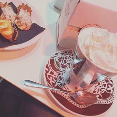 #hotchocolate #chocolate #creme #biscuits #sweet