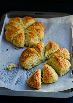 Relax, just do it.../-/ Garlic bread scones | The moonblush Baker