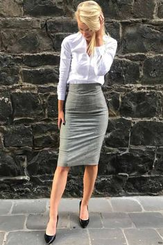 Formal Plaid Dress Outfit Gray Pencil Skirt With White Skirt Outfit ★ Fashionable and chic business attire for young women to keep it classy and stylish no matter the work or interview you are headed to. Women Business Attire, Formal Business Attire, Business Dresses, Business Fashion, Corporate Attire Women, White Skirt Outfits, Pencil Skirt Outfits, Dress Outfits, Pencil Skirts