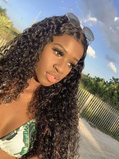 She looks pretty with full thick curly hairstyle, Rock it via our bio link! Curly Afro, Curly Wigs, Lace Front Wigs, Lace Wigs, Weave Hairstyles, Straight Hairstyles, Afro Weave, Jerry Curl Hair, High Quality Wigs