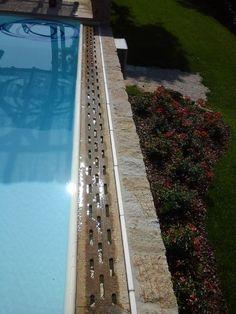 particolare skimmer piscina #kerb #swimmingpool #trachyt #naturalstone