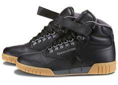 Reebok Ex-O-Fit Plus Hi, denen bu ayakkabı ne kadar siyah bir o kadar havalı!