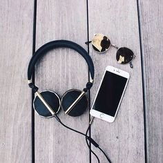 Designed with clean lines, refined metal finishes and a beautifully balanced… Headset, Cat Eye Sunglasses, Round Sunglasses, Iphone Wallpaper Music, Cute Headphones, Accessoires Iphone, Accesorios Casual, Wearable Technology, Iphone Accessories