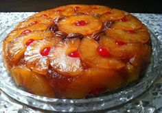 Twirl and Taste: Pineapple Upside Down Cake – cooked in a seasoned iron skillet is Always in Style! Food Cakes, Cupcake Cakes, Cupcakes, Köstliche Desserts, Delicious Desserts, Yummy Food, Portuguese Desserts, Portuguese Recipes, Portuguese Food