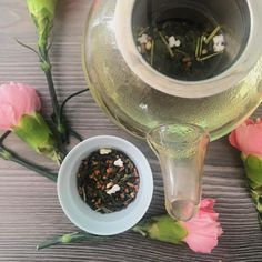 Hoy tocó probar un Genmaicha de @theodormexico. El Genmaicha es uno de los blends más antiguos. Está hecho de hebras de té verde con granos de arroz tostado. #drink #hot #30daychallenge #day6 #huntgrammexico #vscocam #tea #tealovers #teaculture #tea #teatime #instatea #tealife #ilovetea #teaaddict #tealover #tealovers #teagram #healthy #drink #hot #mug #teaoftheday #teacup #teastagram #teaholic