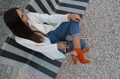 street style, fashion, white outfit, orange heels